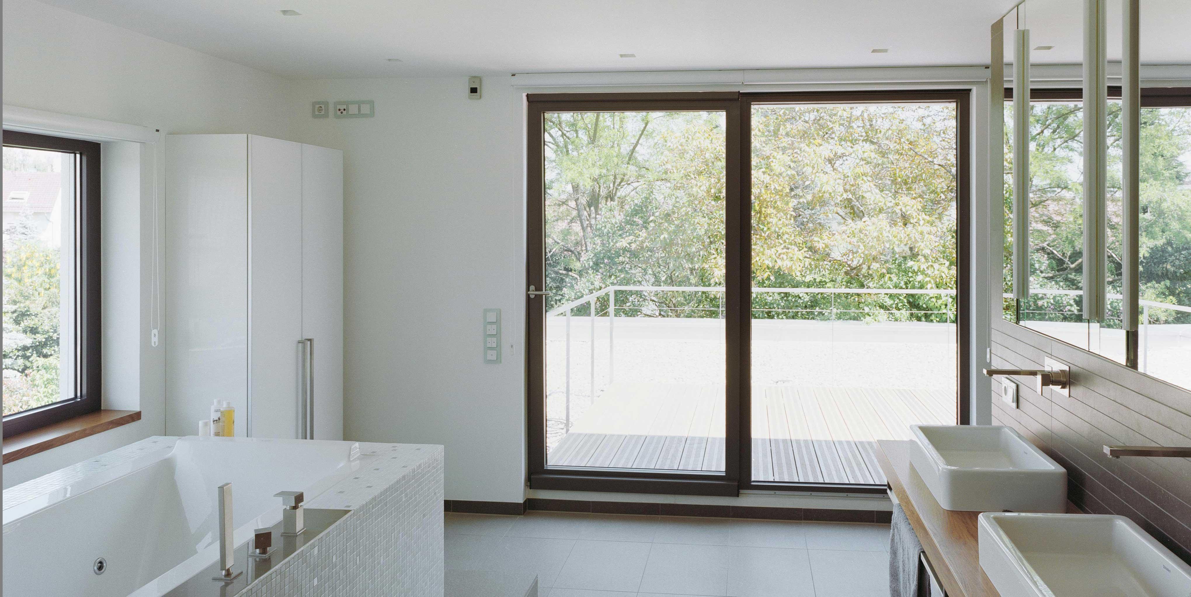 amolsch holzbau gmbh fenster t ren leistungen schreinerei innenausbau in karlsruhe. Black Bedroom Furniture Sets. Home Design Ideas