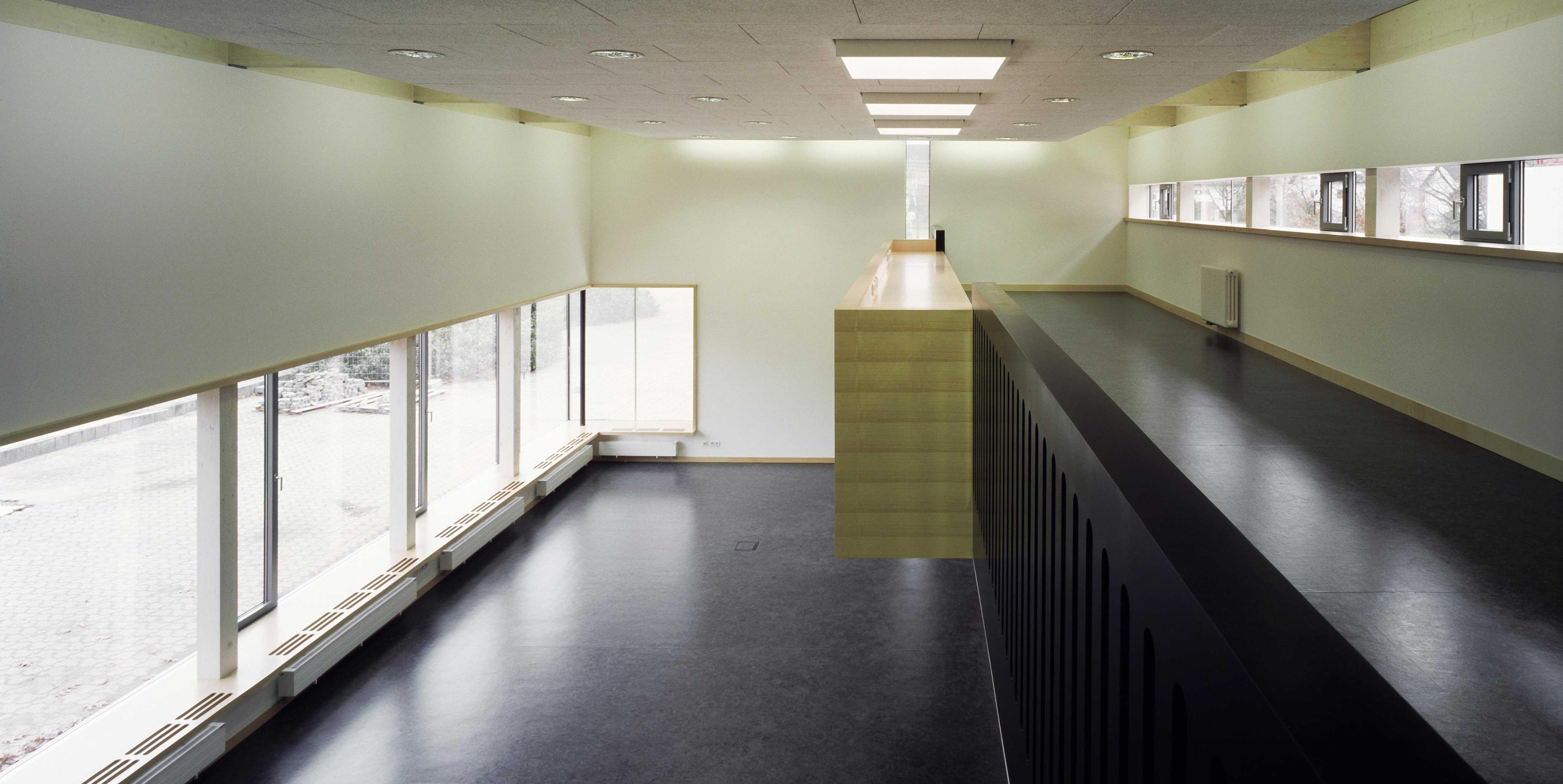 Innenausbau Schulzentrum - Schulsaal von oben