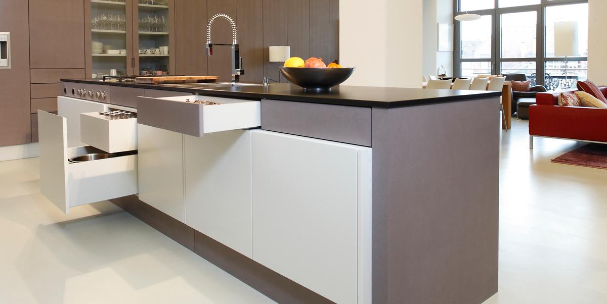 amolsch holzbau gmbh k chen leistungen schreinerei innenausbau in karlsruhe. Black Bedroom Furniture Sets. Home Design Ideas